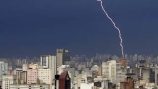 Relâmpago em São Paulo   Crédito: AP