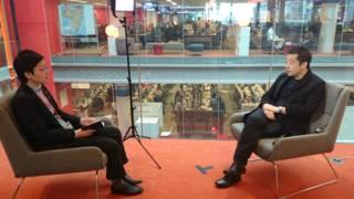 賈樟柯接受BBC英倫網記者子川專訪(攝影:肖媛)