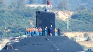 Tàu ngầm kilo Hà Nội ở Cam Ranh hồi tháng 1/2014