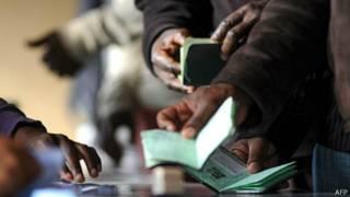 Passaportes (AFP)