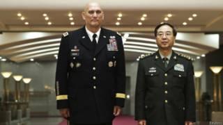 中國軍隊總參謀長房峰輝與美國陸軍總參謀長雷蒙德•奧迪爾諾(21/02/2014)