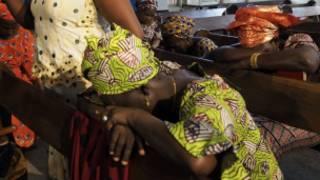 Waumini kanisani wakiomba wasichana wa Chibok waachiliwe huru