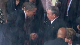 Obama saluda a Castro