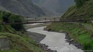 Река Терек в Дарьяльском ущелье