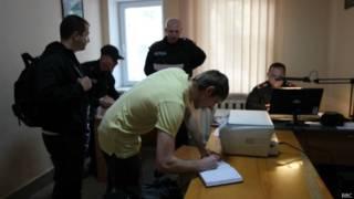 Добровольцы записываются в Нацгвардию