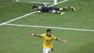 Neymar comemora gol contra a Espanha / Crédito da foto: Reuters