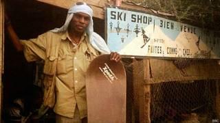 La tienda de esquí en el desierto del Sahara