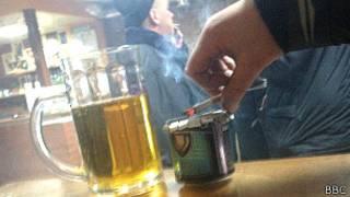 smoking_cigarette_pub
