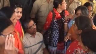 झारखंड में बिजली अधिकारी को बंधक बनाया भाजपा कार्यकर्ताओं ने
