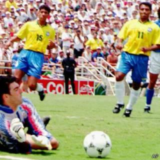 Romário e Márcio Santos em 1994 (AP)
