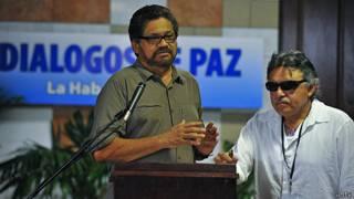 Representantes de las negociaciones de las FARC en Cuba