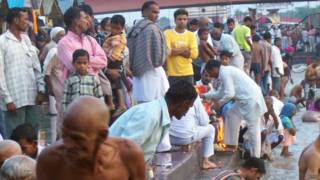 हरिद्वार में गंगा स्नान