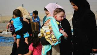 Famílias fogem de Mosul. Foto: Reuters