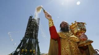 Священник на Байконуре