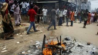 बांग्लादेश में जारी संघर्ष