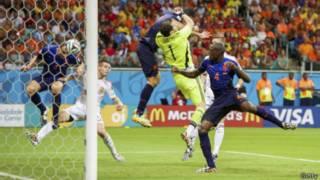 2014年世界杯小組賽荷蘭5:1橫掃衛冕冠軍西班牙