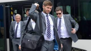 英格蘭隊穿瑪莎灰色官方西服出征世界杯