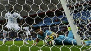 Гол Франции в ворота Гондураса
