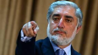 عبدالله عبدالله در یک نشست خبری صحبت می کرد