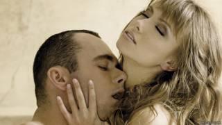 Hombre y mujer apasionados