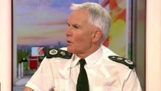 بيتر فاهي، عضو رابطة ضباط الشرطة
