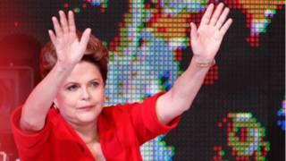 Dilma Rousseff chega à convenção do PT em Brasília (AP)