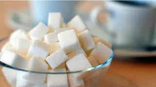 مكعبات من السكر