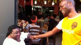 Torcedores camaronenses (BBC)