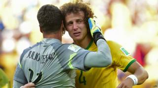 Júlio César e David Luiz (AFP)
