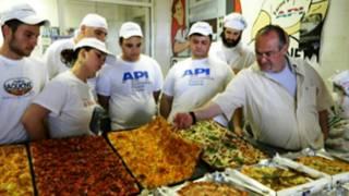 Pizzaiolos participam de concurso de pizzas na Itália | Foto: Associação de Pizzarias Italianas