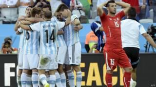 मैच के बाद निराश स्विस खिलाड़ी
