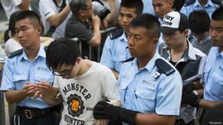 Арест протестующих в Гонконге