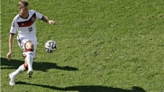 O meia alemão Toni Kroos (AP)
