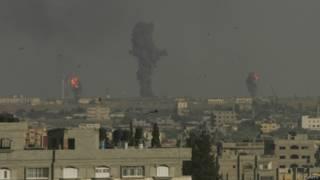 Израильская авиация бомбит объекты ХАМАС в Газе