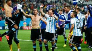 Comemoração argentina após a classificação à final