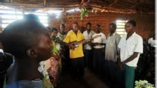Au Burundi, les églises, en particulier évangéliques, se sont multipliées en tous lieux