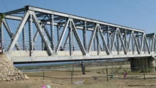 स्टीलबाट बनाइएको पुल