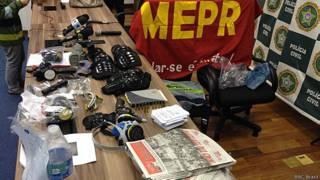 Material apreendido pela polícia do Rio de Janeiro (BBC Brasil)