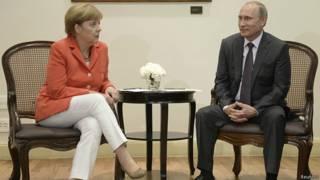 Vladimir Putin y Angela Merkel en Río de Janeiro