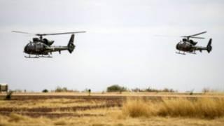 Des avions de l'armée française survolant le nord du Mali