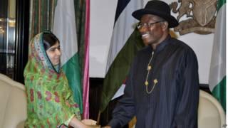 Presidente de Nigeria y la activista Malala