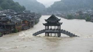 चीन में आई बाढ़