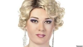 Транссексуал в женском платье