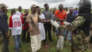 مبارزه با ایبولا