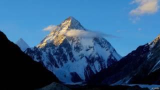 K2峰被認為是比珠穆朗瑪峰更難攀登的山峰