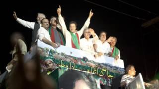 عمران خان يقود احتجاجات ضد الحكومة في إسلام أباد