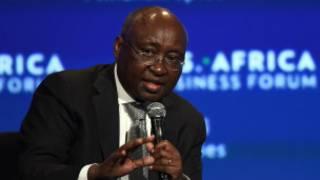"""Ebola risque de coûter """"beaucoup"""" au commerce africain selon Donald Kaberuka."""
