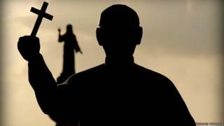 Estatua de Monseñor Romero ubicada en la Plaza del Divino Salvador del Mundo, uno de los puntos neurálgicos de San Salvador.