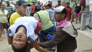 Meninas colombianas sofrem desmaios / Crédito: El Heraldo