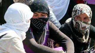 Mata mabiya addinin Yazidi a Iraqi